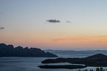 Sonnenuntergang in Coron von Yvette Baur
