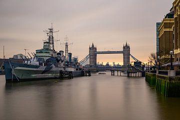 London cityscape with Tower Bridge, UK sur Lorena Cirstea