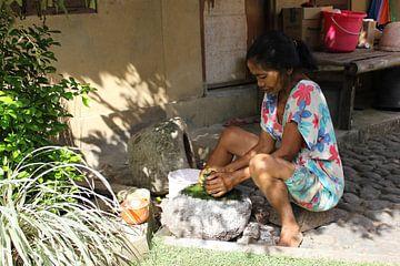 Indonesië Balinese woman van Raoul van de Weg