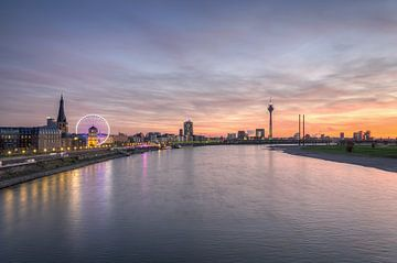 Düsseldorf Skyline von Michael Valjak