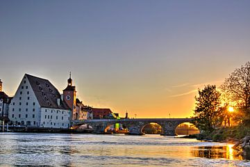 zonsondergang Regensburgse stenen brug van Roith Fotografie
