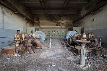machines in een verlaten fabriek van Kristof Ven
