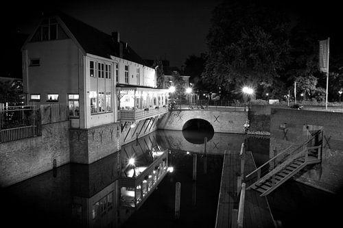Het Diezehuys aan de Oude Dieze Den Bosch in zwart/ wit van