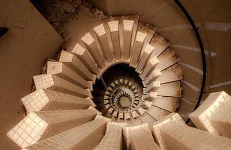 Spiraling down van Elise Manders