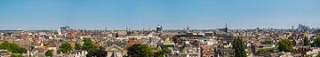 Vue panoramique sur Amsterdam au printemps depuis la tour Westerkerk sur Sjoerd van der Wal
