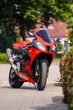 Aprilia RSV 1000 van Ralph van Houten