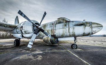 Altes Flugzeug vom Seetransport von Inge van den Brande