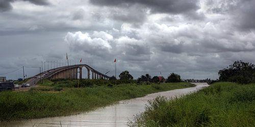 Wijdenboschbrug Suriname van