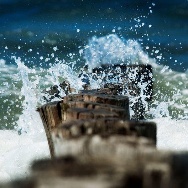 Strandpalen in Domburg Zeeland van Keesnan Dogger Fotografie