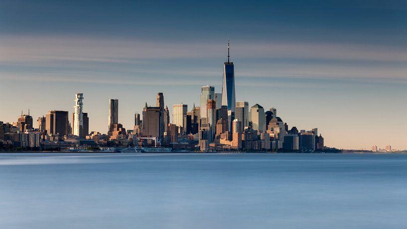 New York City Skyline building in the morning sunlight van Marieke Feenstra