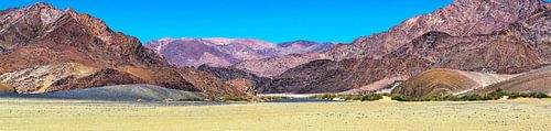 Panorama van het grensgebied tussen Namibië en Zuid-Afrika