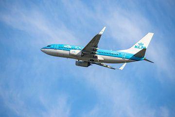 De KLM PH BGT, Boeing 737-700,  KL2020, genaamd Blauwe Kiekendief van Gert Hilbink