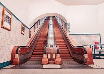Les beaux escaliers mécaniques en bois du Sint-Annatunnel à Anvers sur Matthijs Van Mierlo