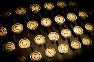 Toetsen van een antieke typemachine