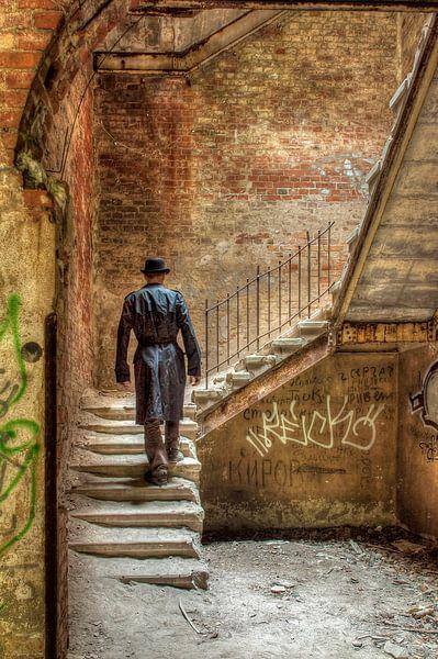 monter les escaliers sur Henny Reumerman