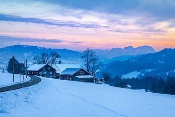 Blick auf die schweizer Alpen van Jan Schuler
