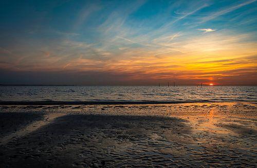 Zonsondergang strand Haringvlietdam