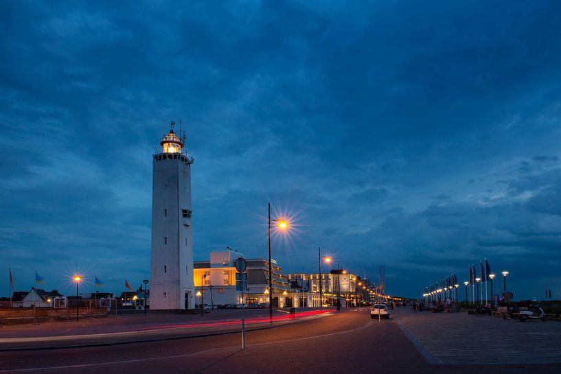 Boulevard Noordwijk tijdens het blauwe uur (3) van Dick van Duijn