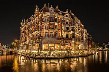 Hotel 'l Europe in Amsterdam am Abend von Mike Bot PhotographS