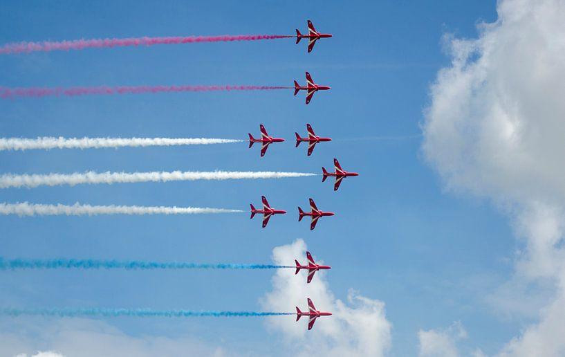 Red Arrows flying the Dutch flag van Lennard Deij