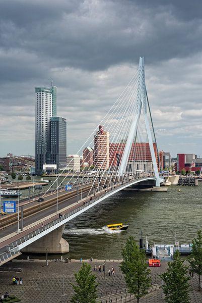 This is Rotterdam | Erasmusbrug | Maastoren van Rob de Voogd / zzapback