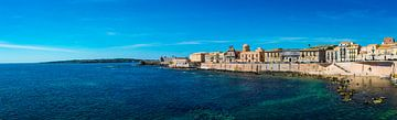 Panorama van de baai van Syracuse, Sicilië van Rietje Bulthuis