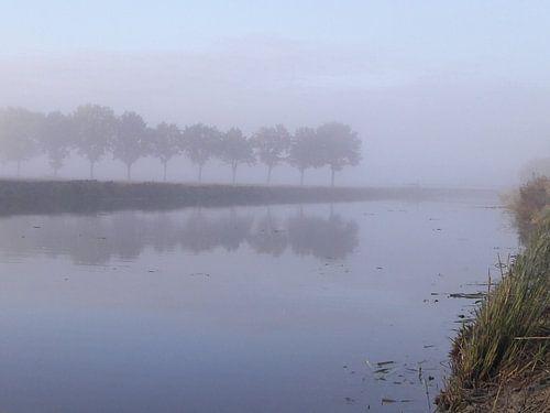 Een november ochten aan de wetering bij batenburg van