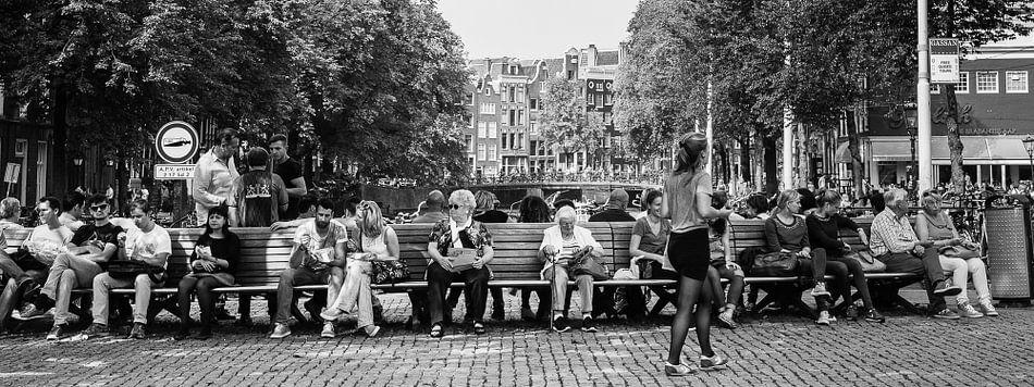 Straatbeeld in Amsterdam van Leo van Vliet