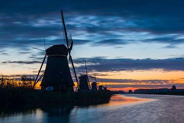 Kinderdijk met vijf molens van Daan Kloeg