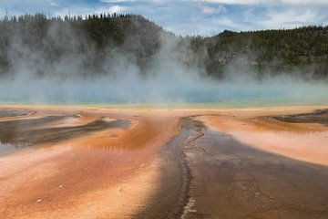 Zwavelbron in Yellowstone National Park van Hans Jansen