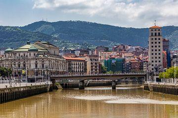 Zicht op Bilbao van Easycopters