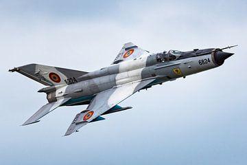 Roemeens MiG-21 jachtvliegtuig van Kris Christiaens
