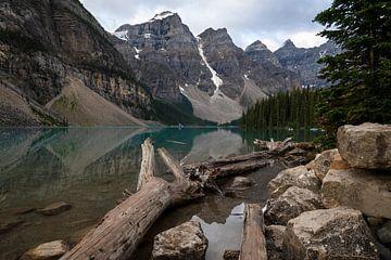 Moraine Lake, Banff National Park, Alberta, Canada van Alexander Ludwig
