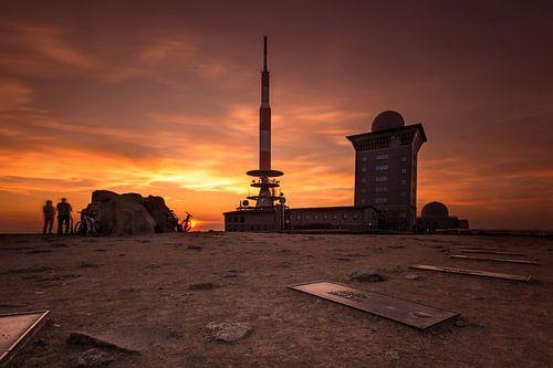 Sonnenuntergang auf dem Brocken van Oliver Henze