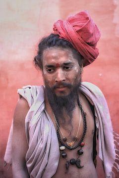 Nepalese pelgrim tijdens een bezoek aan de Kumb Mela in Hardiwar India. Wout Kok One2expose van