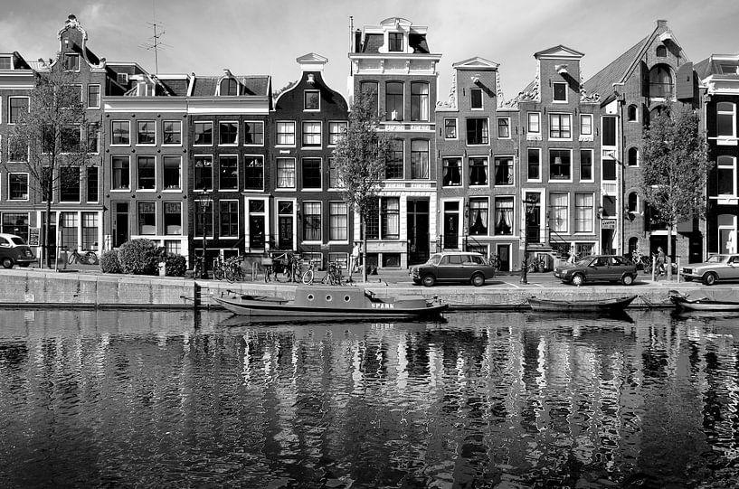 Grachtenpanden Amsterdam, Nederland van Roger VDB