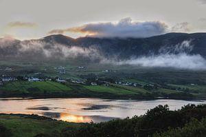 Zonsondergang in Carrick, Ierland.