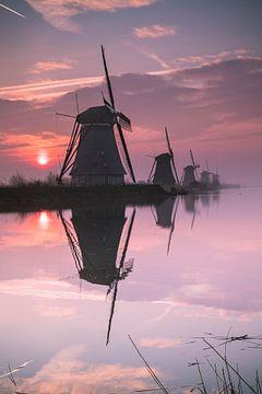 Zonsopkomst Kinderdijk, Nederland van Sasja van der Grinten