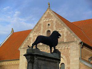 Der Braunschweiger Löwe vor der Burg Dankwarderode