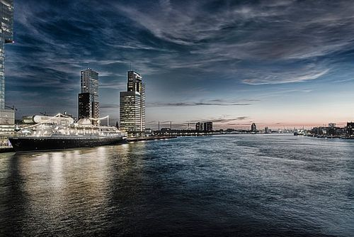 Rotterdam Skyline in HDR van