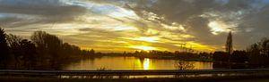 tussen de zonsondergang door van Jeroen Schellevis