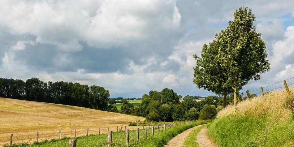 Wolkenlucht bij Overeys van Joop Gerretse
