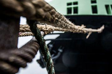Lijnenspel in de haven van IJmuiden. van scheepskijkerhavenfotografie