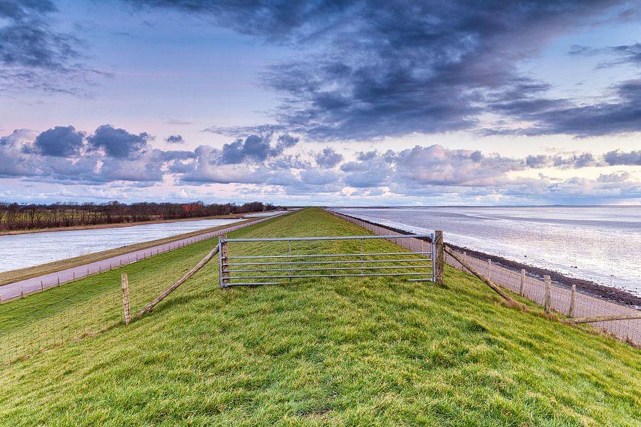 Ochtendgloren over de Lancasterdijk op Texel