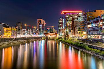Düsseldorf at night van Rene Siebring