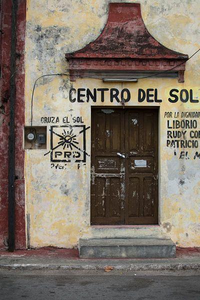 Facade Centro del Sol van Robert Beekelaar