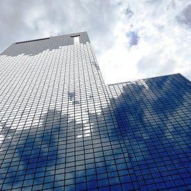 Rotterdam: Gebouw Delftse Poort - cloudy business sur MoArt (Maurice Heuts)