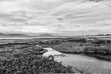 Ierland | Baai zwart-wit van Erik Rudolfs