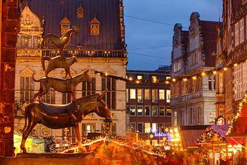 De Bremer Stadsmuzikanten en Kerstmarkt met huis Sch�tting, marktplaats westkant en Obernstra�e bij  van Torsten Krüger