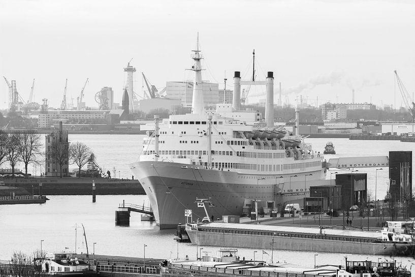 Het SS Rotterdam in Rotterdam van MS Fotografie   Marc van der Stelt